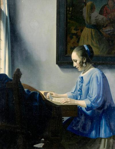 Mujer leyendo música Mujer leyendo una carta